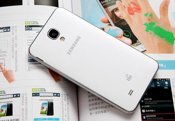 Harga dan Spesifikasi Samsung Galaxy J3